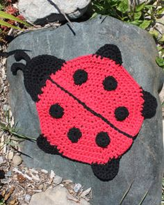 Lily Sugarn Cream - Ladybug Dishcloth (crochet) Free pattern