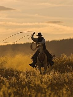 on the ranch. Western Art, Western Cowboy, Western Style, Racing Wallpaper, Cowboy Photography, Cowboy Pictures, Cowboy Pics, Real Cowboys, Cowboys Men