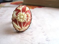 Lovely Vintage Cameo Ring $18.00