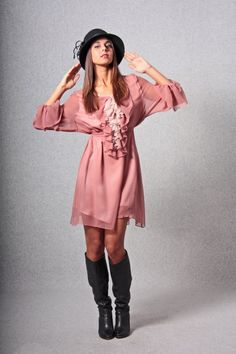 Handmade dress / Flared dress / Antique pink dress / Satin silk dress / Pink dress / Party dress / Cerimony dress / Short dress di AtelierLeRagazze su Etsy