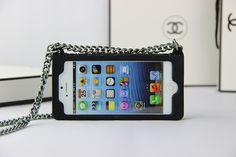 coque iPhone 6s 6s plus Chanel forme d'un sac a mian silicone souple achat sur www.lelinker.fr 6s Plus, Iphone 6, Top Luxury Brands, Fit, Leather, Bag
