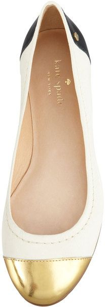 Kate Spade classic flats http://www.findyourchic.com
