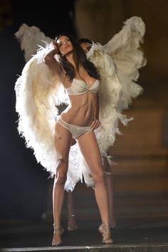 Adriana Lima – Victoria's Secret Lingerie Photoshoot Candids in Paris September 2013