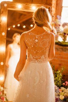 Floral Prom Dresses, Wedding Dresses Plus Size, Dream Wedding Dresses, Wedding Gowns, Lace Dresses, Tight Dresses, Galaxy Wedding, Starry Night Wedding, Night Wedding Ceremony
