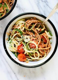 Double Tomato Pesto Spaghetti with Zucchini Noodles. This fresh summer recipe features burst cherry tomatoes, cherry tomato and sun-dried tomato pesto, zucchini noodles and spaghetti! It's light and delicious. Zucchini Noodles Spaghetti, Courgetti Spaghetti, Vegan Spaghetti, Squash Noodles, Chicken Spaghetti, Pasta Recipes, Dinner Recipes, Dinner Dishes, Cooking Recipes
