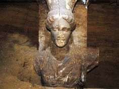 2 Foot female figurine on wall leading to main room of ancient tomb in Amphipolis, Northern Greece, Alexander the Great era in new archaeological dig. Ancient Tomb, Ancient Art, Ancient History, Greek History, Alexander The Great Tomb, Greek Statues, Great Father, Greek Art, Starcraft