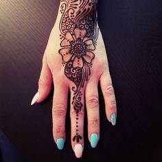 Natural Henna Design, Flower and Paisley