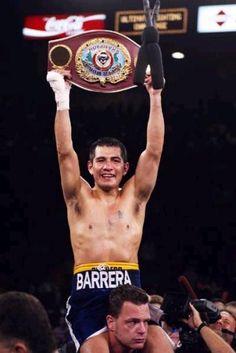 1974年メキシコ生まれのマルコ・アントニオ・バレラ。Sバンタム級、フェザー級、Sフェザー級を制覇。歴代ボクサー
