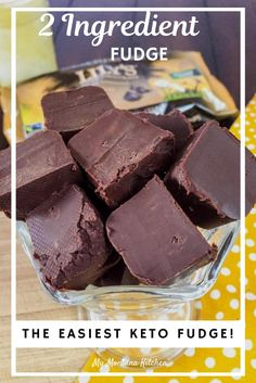 Try this easy condensed milk fudge recipe for an easy, healthy chocolate dessert. This 2 ingredient low carb fudge is sugar free, which means it will soon become one of your favorite keto dessert recipes. This holiday microwave fudge recipe will have ever Healthy Fudge, Healthy Chocolate Desserts, Desserts Keto, Keto Fudge, Sugar Free Desserts, Dessert Recipes, Chocolate Fudge, Sugar Free Fudge, Easy Keto Dessert