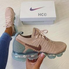 shoes - Top 10 Nike Air VaporMax Sneakers Kickzy Page 8 Tenis Nike Air, Nike Air Shoes, Nike Workout Shoes, Sneakers Workout, Nike Air Vapormax, Cute Nike Shoes, Nike Tennis Shoes, Comfy Shoes, Sports Shoes