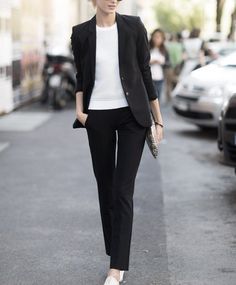 Get inspired by the casual workwear outfit