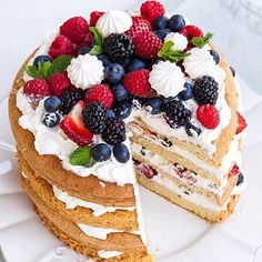 Una torta deliziosa ed originale per il tuo compleanno!  #giftsitter è la #lista regalo che potrai gestire in piena autonomia. Scopri di più cliccando sul link in bio!  #giftsittermania #cake #cakedesign #chef #patisserie #dolcezze #sweet #birthday #compleanno #fruttidibosco #compleanno #cumpleaños #anni #years #picoftheday #instafood #instagram #inspiration #photooftheday