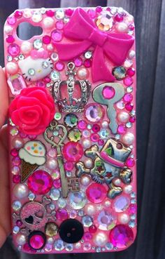 DIY Bling iPhone Cover. I really want to try this with my phone some day 72d29da564