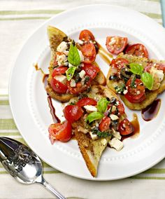 Easy Summer Party Bruschetta - my favorite kind of recipe! Enjoy this simple recipe with friends at a carry in dinner or potluck - the perfect dish to share!