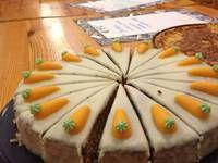 Mrkvový dort po švýcarsku - Rüeblitorte - YFU Česká republika Pineapple, Fruit, Pinecone