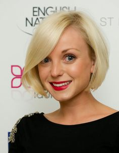 35 Stylish Short Hair for Round Face 2017