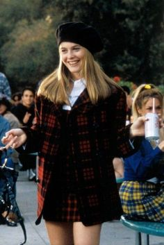 Cher from Clueless. This is my favorite outfit of hers. - Cher from Clueless. This is my favorite outfit of hers. Cher from Clueless. This is my favorite outfit of hers. Fashion Male, Fashion Guys, Clueless Fashion, 80s Fashion, Grunge Fashion, Look Fashion, Trendy Fashion, Fashion Outfits, Clueless 1995