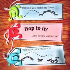 Adorable leaping frog valentines with free printable! #nocandy #valentinesday