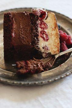 Neke torte nastanu planski, za određenu prigodu i mozgam o njima danima ako ne i tjednima.  Ideje me napadnu najčešće kada legnem u kr...