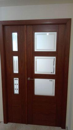 Doble 9300 ar v3 lacada en blanco con cristal mate for Puertas madera natural