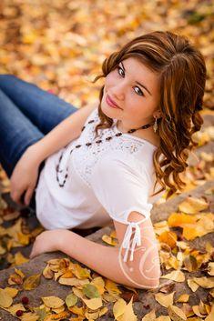 Autumn fall senior graduation photo inspiration.