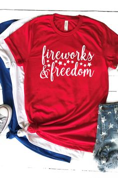 Use this free patriotic SVG to make something special with your Cricut or Silhouette machine! Includes links to 15 other free patriotic SVG files as well! Fourth Of July Shirts, 4th Of July, Cricut Vinyl, Svg Files For Cricut, Red White And Boom, Country Chic Cottage, Cricut Tutorials, Cricut Ideas, Let Freedom Ring