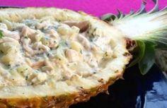 Salada de frango com iogurte no abacaxi | Panelinha - Receitas que funcionam
