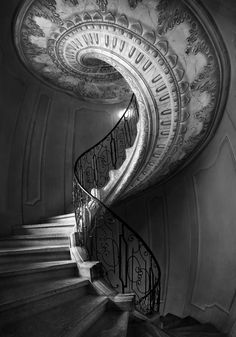 Ars amandi ♥ the art of love. White Staircase, Teddy Bear Pictures, Background Drawing, Art Of Love, Stairway To Heaven, Dark Places, To Infinity And Beyond, Color Photography, White Photography