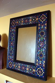 Garbage picked mirror frame turned into a Moroccan inspired AWESOME piece of art! Mirror Mosaic, Mosaic Diy, Mosaic Garden, Mosaic Crafts, Mosaic Projects, Mosaic Glass, Glass Art, Arabian Decor, Mosaic Madness