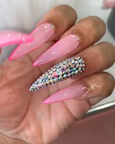 In look for some nail designs and ideas for your nails? Here is our list of must-try coffin acrylic nails for stylish women. Edgy Nails, Glam Nails, Bling Nails, Grunge Nails, Coffin Nails Matte, Bling Acrylic Nails, Glitter Nails, Long Nail Designs, Acrylic Nail Designs