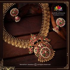 Don't Miss These Royal Looking Necklace Designs!! • South India Jewels Antique Jewellery Designs, Antique Jewelry, Antique Rings, Bead Jewellery, Bridal Jewellery, Gold Jewelry, Pearl Necklace Designs, Jewelry Patterns, South India