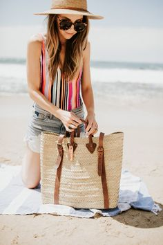 Merrick's Art // Style + Sewing for the Everyday Girl5 Beach Bag Essentials That Will Make Your Beach Day So Much Better   Merrick's Art