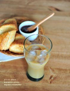 먹을수록 자꾸 손이가는 스타벅스 플레인스콘 만들기 : 네이버 블로그 Glass Of Milk, Panna Cotta, Food And Drink, Drinks, Ethnic Recipes, Board, Food And Drinks, Food Food, Recipies