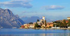 Forte dei Marmi market at Piazza Statuto - Malcesine 2017 Oriental, Lake Garda, All Inclusive Resorts, Holiday Destinations, Wonderful Places, Wander, New York Skyline, Backdrops, Most Beautiful