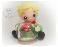 El principito con su rosa. The little prince with your rose
