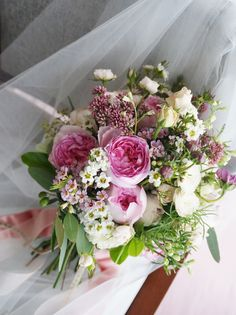 # Vress et Rose # Wedding # pink #smoky pink # bouquet #clutch bouquet # natural# Flower # Bridal # ブレスエットロゼ #ウエディング# ピンク #スモーキーピンク # ブーケ #カラーブーケ #バラ#クラッチブーケ#小花 # ナチュラル# 花 # ブライダル#結婚式