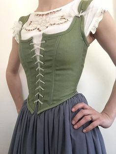 Peasant Bodice Renaissance Corset in Green/Blue with Adjustable Shoulder Straps Pretty Outfits, Pretty Dresses, Beautiful Dresses, Cute Outfits, Vintage Dresses, Vintage Outfits, Vintage Fashion, Costume Roi, Toga Costume