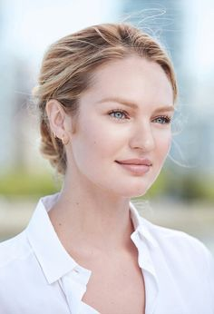 Candice Swanepoel simple makeup