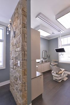 A Welcoming Dental Office - Heather Scott Home & Design Showroom Design, Office Interior Design, Office Interiors, Design Offices, Modern Offices, Office Designs, Modern Interior, Dental Office Decor, Medical Office Design