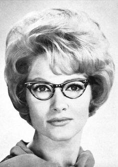 Retro Hairstyles, Curled Hairstyles, Updo Styles, Hair Styles, 1960s Hair, Mature Women Fashion, Sheila, Beehive Hair, Hair Setting
