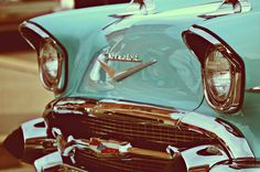 Classic Chevrolet. I want this one, this one I like. I love.