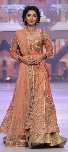 Ayesha Ibrahim Collection at Telenor Bridal Couture Week 2015 Pakistani Couture, Pakistani Wedding Dresses, Pakistani Outfits, Indian Dresses, Indian Outfits, Walima Dress, Saris, Eastern Dresses, Pakistan Fashion