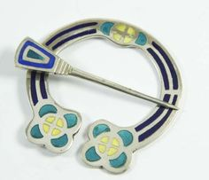 Celtic silver penannular brooch by Alexander Ritchie, Iona #ukauctioneers