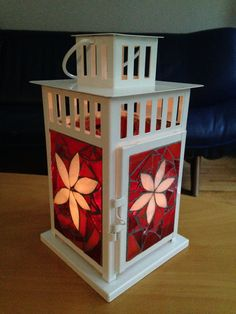 lantern SOLD Making Stained Glass, Stained Glass Christmas, Stained Glass Crafts, Stained Glass Patterns, Stained Glass Lamp Shades, Stained Glass Panels, Mosaic Glass, Fused Glass, Lantern Candle Holders