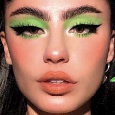 green eye makeup inspo - Make Up Ideas Makeup Eye Looks, Eye Makeup Art, Makeup For Green Eyes, Cute Makeup, Pretty Makeup, Makeup Inspo, Skin Makeup, Eyeshadow Makeup, Makeup Inspiration