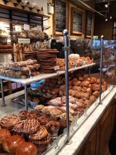 See 755 photos from 10884 visitors about breakfast food, healthy food, and coffee. Bakery Store, Bakery Display, Bakery Cafe, Bakery Shop Design, Coffee Shop Design, Bake Sale Packaging, Coffee Shop Aesthetic, Small Bakery, Bakery Interior