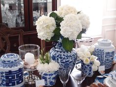 Emily Ruddo of Armonia Decors: Traditional Blue and White Tablescape