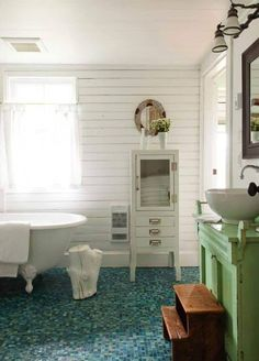 stony lake cottage photo credit - donna Griffith photography style at home magazine -august 2014 Lake Cottage, Cottage Homes, Cozy Cottage, Cottage Design, House Design, Marble Top Dresser, Tropical Bathroom, Estilo Shabby Chic, Style Rustique