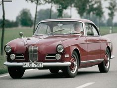BMW 503 Coupe images - Free pictures of BMW 503 Coupe for your desktop. HD wallpaper for backgrounds BMW 503 Coupe car tuning BMW 503 Coupe and concept car BMW 503 Coupe wallpapers. Bmw Autos, Bmw Classic Cars, Classic Sports Cars, Retro Cars, Vintage Cars, 50s Cars, Jaguar, Tuning Bmw, Automobile
