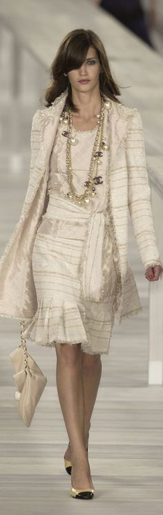 I want this outfit!  Chanel stylebistro                              …                                                                                                                                                     More